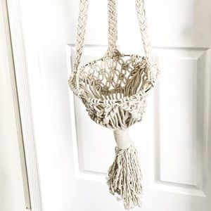 Hand Crafted Accents - Beautiful macramé and wood plant hanger